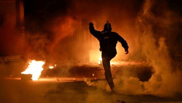 Midilli ve Sakız'da yeni mülteci kamplarına karşı çıkan protestocular polisle çatıştı: 62 yaralı