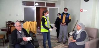 Hasan Basri: Diyarbakır Büyükşehir Belediyesinden yaşlılara koruyucu maske ve kolonya dağıtımı