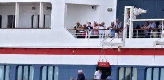 Havana: Korona virüsünün ortaya çıktığı ve ülkelerin almadığı gemi Küba'ya demir attı