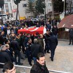 Bayrampaşa'daki yangında hayatını kaybeden itfaiye eri defnedildi