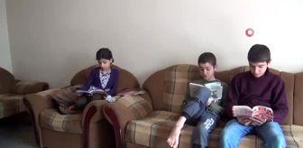 Televizyonları olmadığı için uzaktan eğitim alamayan çocukların yardımına kaymakam yetişti