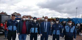 Tomarza: Tomarza Belediyesi esnafa eldiven ve maske dağıttı