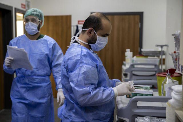İstanbul Üniversitesi Cerrahpaşa Tıp Fakültesi'nin koronavirüs servisi görüntülendi