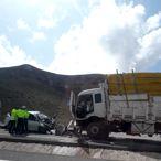 Malatya'da kamyona çarpan otomobilin sürücüsü öldü