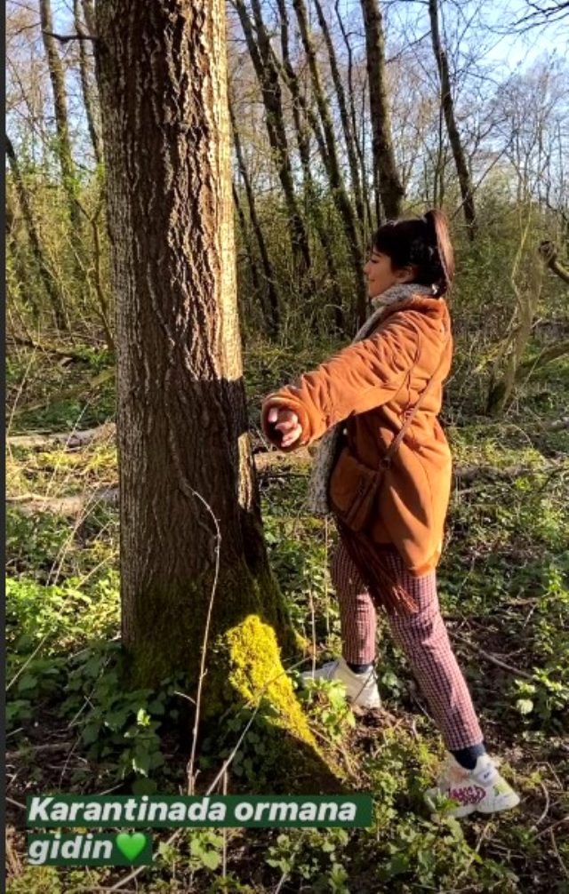 Karantinada olan Zeynep Alkan, sevgilisiyle ormana giderek sarmaş dolaş poz verdi
