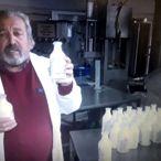 Kozmetik ve temizlik fabrikasını el dezenfektanı üretime yönlendirdi