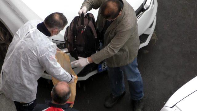 Kars'ta çantasını polise vermeyen Çinli, panik yarattı