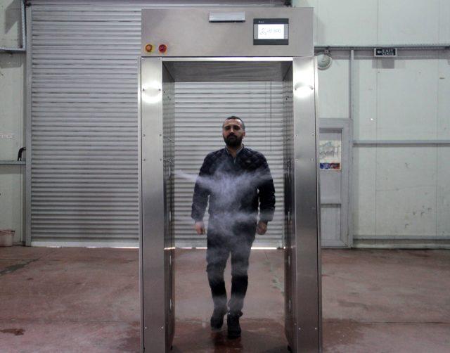 Türk şirketin geliştirdiği dezenfeksiyon sistemi, koronavirüsün kıyafetlerden temizlenmesini sağlıyor