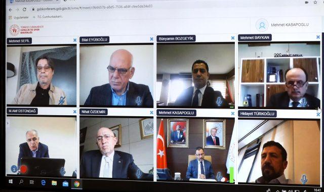 Bakan Kasapoğlu'dan federasyon ve kulüplere koronavirüs uyarıları: Herkes ayağını yorganına göre uzatacak