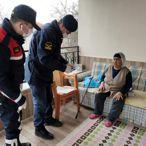 Malatya'da sosyal yardımlar vatandaşlara evlerinde teslim edildi