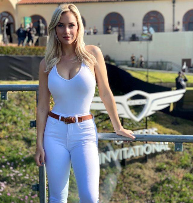 ABD'li golfçü Paige Spiranac'ın göğüs vuruşu olay oldu