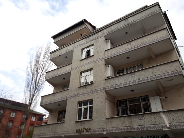 Bağcılar'da 4 bina koronavirüs nedeniyle karantinaya alındı