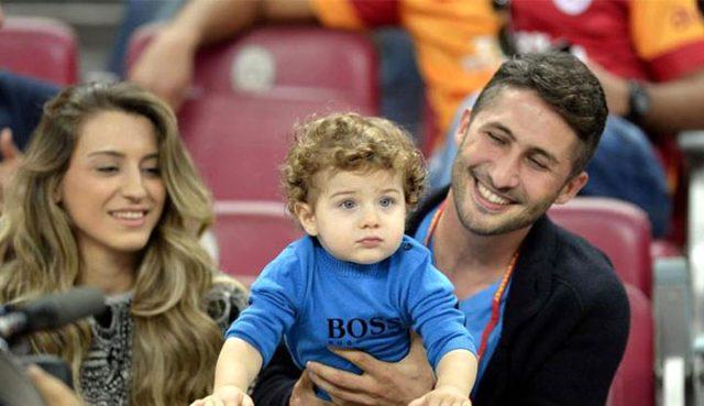 Sabri Sarıoğlu'nun eşi Yağmur Sarıoğlu, hamile olduğunun müjdesini verdi
