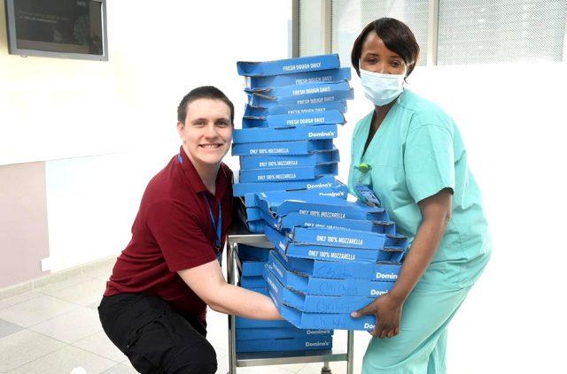 Newcastle Unitedlı Danny Rose, sağlık çalışanlarına yüzlerce pizza gönderdi