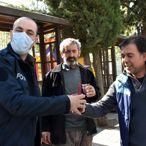 Adıyaman'da bir esnaf polislere şalgam ikram etti
