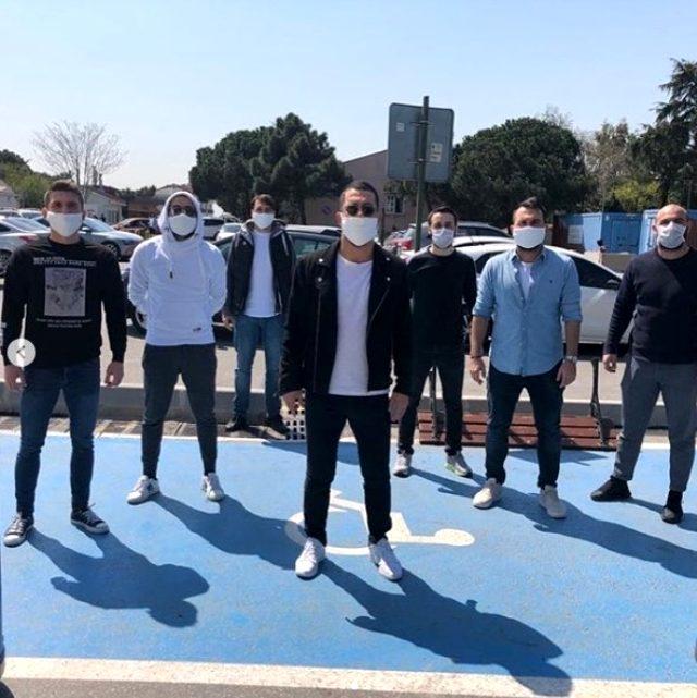 Arda Turan, söz verdiği 100 bin maskenin ilk kısmını dağıttı