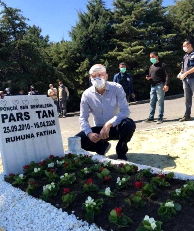 Ebru Şallı'nın oğlunun mezar taşına 'Ponçik sen benimlesin' yazdırması görenleri duygulandırdı