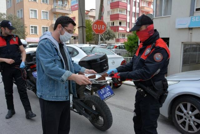 Polise çaylı, kekli motivasyon