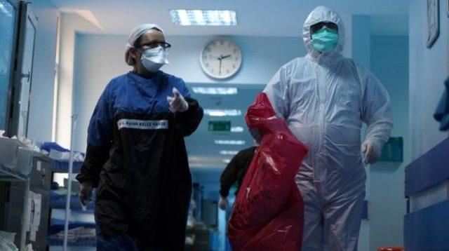 Koronavirüsle savaşın ön cephesinde neler yaşanıyor? Cerrahpaşa ilk kez bu kadar net görüntülendi
