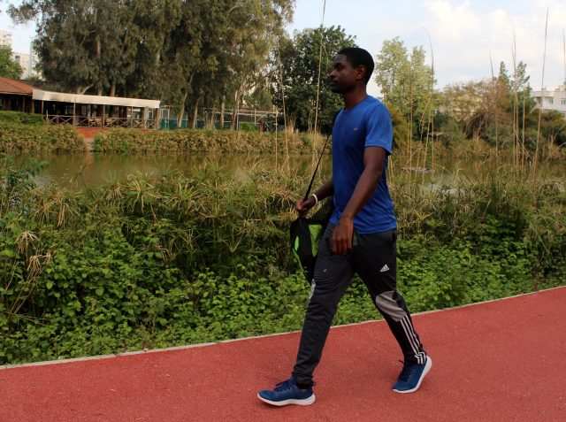 Galatasaray'a denenmek için gelen Kamerunlu Uriel Sob, Antalya'da mahsur kaldı