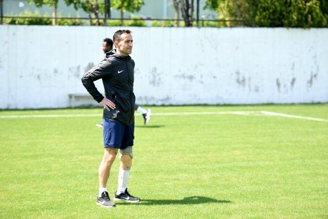Gazi futbolcu antrenörlük alanında kendini Denizlispor'da geliştirecek