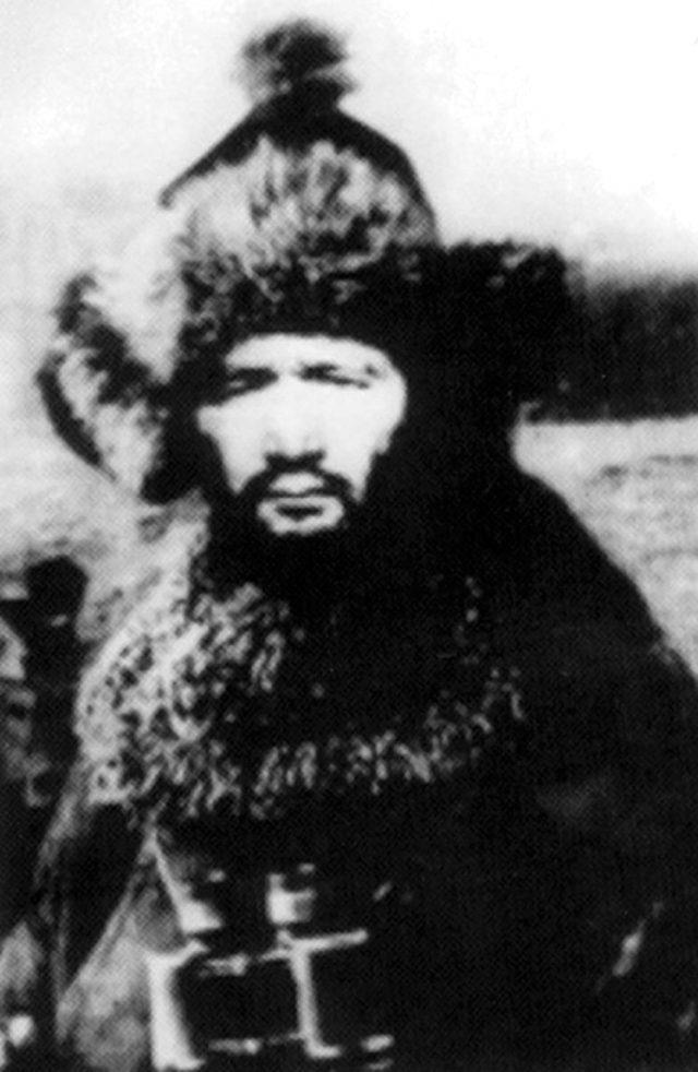 Osman Batur kimdir? Osman Batur'un hayatı ve mücadelesi nedir? Büyük kahraman Osman Batur'un hayatı ve biyografisi!