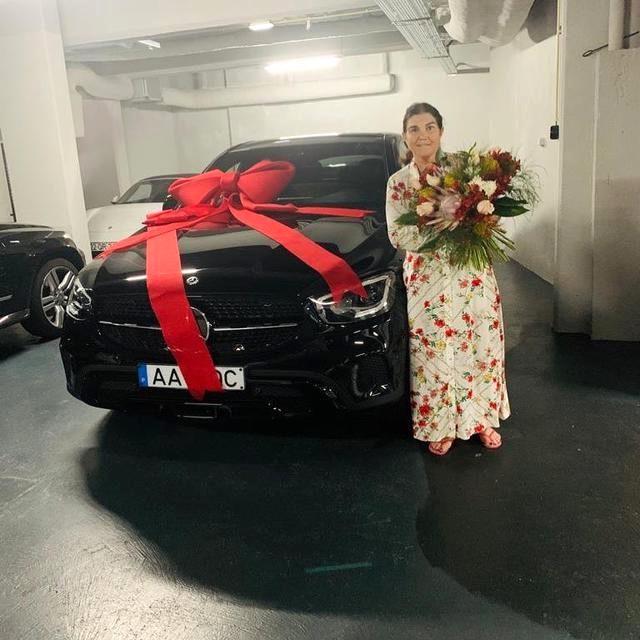 Cristiano Ronaldo, annesine Anneler Günü için 100 bin euroluk lüks bir araba hediye etti