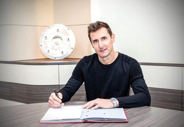 Bayern Münih'in eski golcüsü Miroslav Klose, antrenör olarak kulübe geri döndü