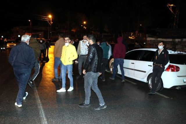 Grup Yorum üyesi Gökçek'in cenazesi memleketine getirildi, mahalleli sokağa döküldü
