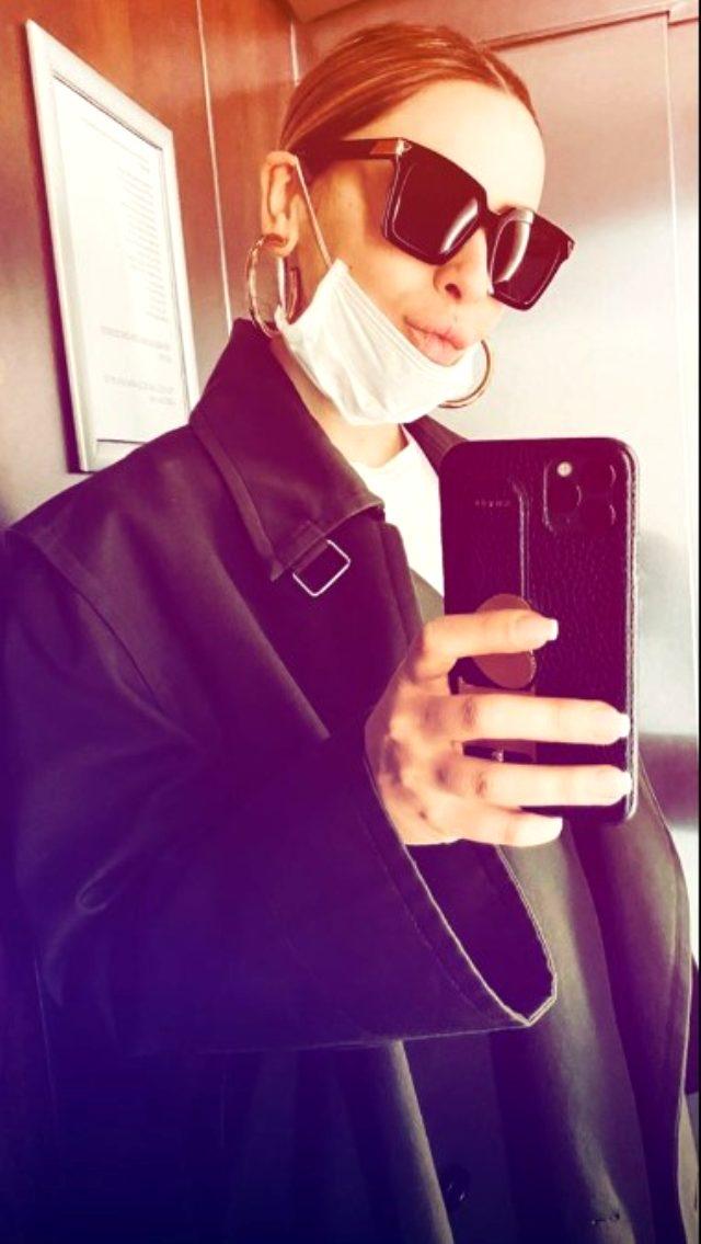 Koronavirüs tedbirlerine uyan Hadise, Instagram hesabından peş peşe maskeli pozlarını paylaştı