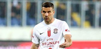 Podolski: Arjantin ekibi Boca Juniors, Antalyasporlu Lukas Podolski'yi kadrosuna katmak istiyor