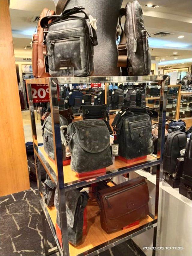 Koronavirüs nedeniyle kapalı olan mağazadaki deri ayakkabı ve çantalar küflendi