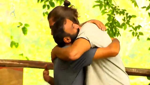 Survivor'dan elenen Ersin, veda sonrası arasının kötü olduğu Mert'in ailesini aradı