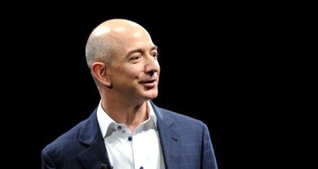 Jeff Bezos kimdir? Jeff Bezos kaç yaşında ve ne iş yapıyor? Amazon'un kurucusu Jeff Bezos'un hayatı ve biyografisi! Dünyanın en zengin insanı!