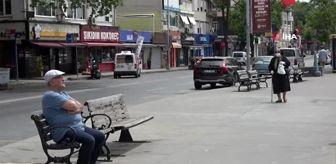 (İSTANBUL-ÖZEL )65 yaş üstü vatandaşlar Sarıyer İstinye sahiline akın etti