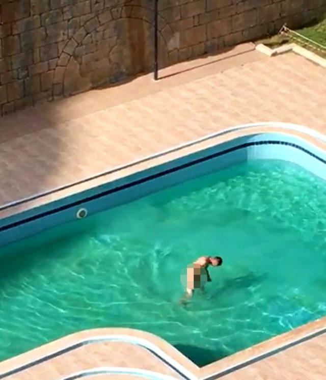 Alanya'da Rus turist çırılçıplak havuza girdi