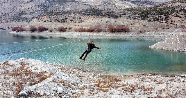 Zipline nedir? Zipline ne demek? Zipline sporu nasıl yapılır? Zipline hakkında merak edilen her şey! Ekstrem spor ziplin nedir?