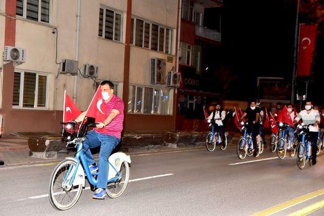 Gürkan gençlerle bisiklet sürdü