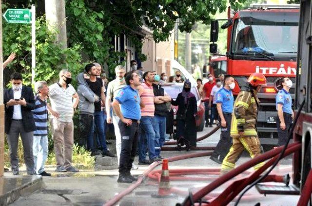 Bir kentimizde akılalmaz sorumsuzluk! Sosyal mesafeyi hiçe sayıp yangın seyrettiler