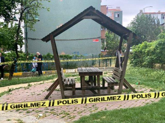 Ataşehir'de parkta baba oğlunu öldürdü, bankta oturup polislerin gelmesini bekledi