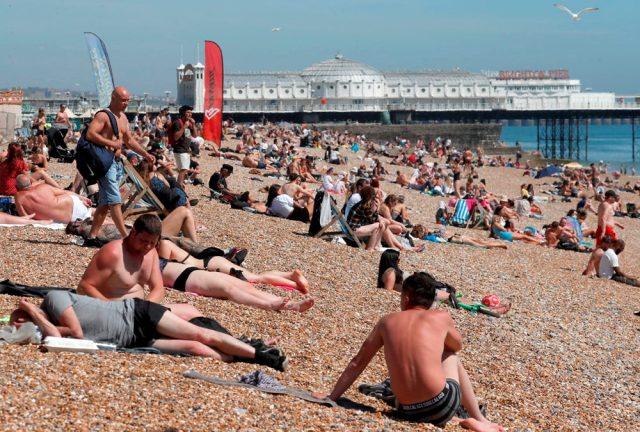 Avrupa'da plaj alarmı! İkinci koronavirüs dalgası gelebilir