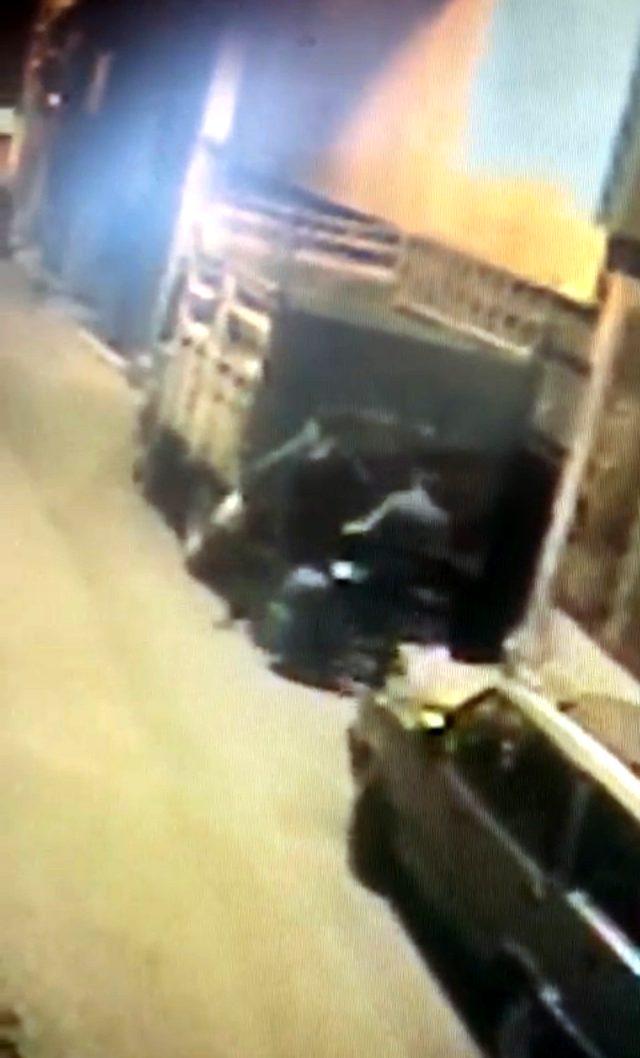 İranlı turistin gasp edilip, dövülmesi güvenlik kamerasında