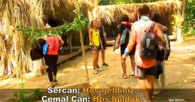 Survivor'da Ünlüler ve Gönüllüler takımının kampları birleşti! Yunus Emre, odunlarla kendi sınırını çizdi