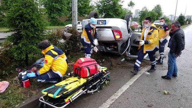 Annelerini memleketlerine götürürken aynı yerde kaza yaptılar: 1 ölü, 4 yaralı