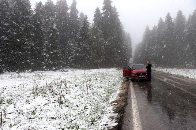İstanbul'un yanı başındaki Bolu ve Düzce'ye Mayıs ayında kar yağdı