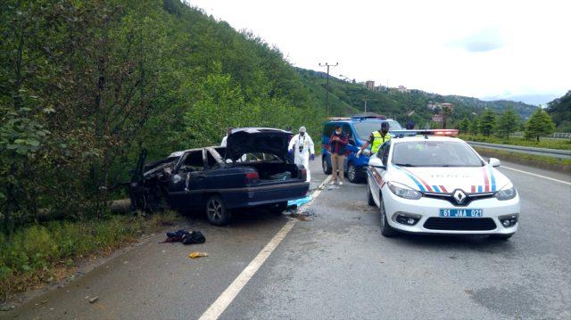 Direğe çarpan LPG'li otomobil alev aldı: 3 kişi hayatını kaybetti, 1 kişi ağır yaralandı