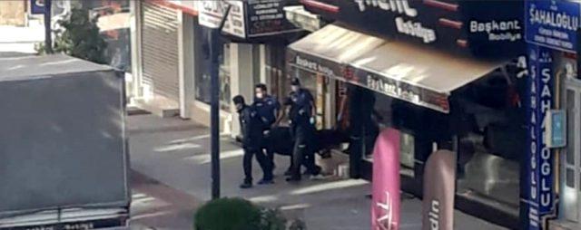 Isparta'da bir vatandaş, tartışığı anne ve babasını öldürüp polise teslim oldu