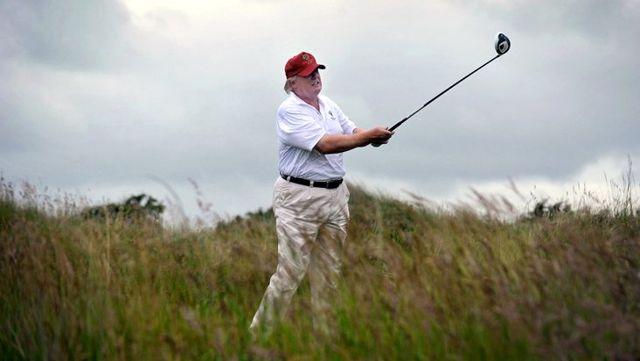 Trump'ın golf keyfine, ABD'de 100 bine yakın can alan koronavirüs salgını da engel olamadı