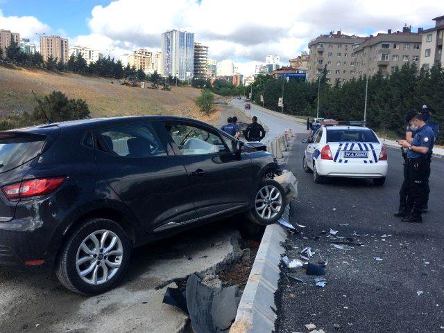 Kısıtlama gününde araç kullanan alkollü taciz şüphelisi, kaza yapınca yakayı ele verdi