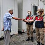 Jandarma ekiplerinden şehit aileleri ve depremzedelere ziyaret